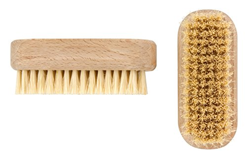 elliott-1-piece-wooden-nail-brush-with-natural-tampico-fibres-beige