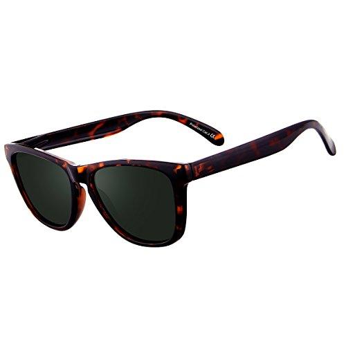 FEIDU Polarized Wayfarer Gafas de sol para hombre Clásico espejo Gafas  Unisex. a4dbcfa00e19