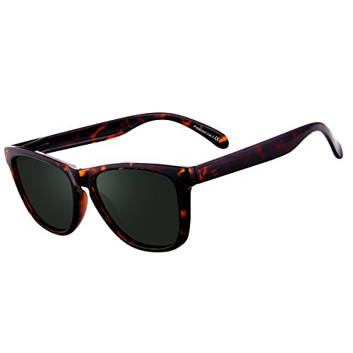 4f3c91ca58 FEIDU Polarized Wayfarer Gafas de sol para hombre Clásico espejo Gafas  Unisex.