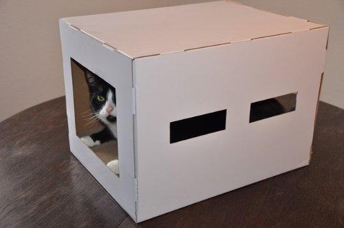 cubi-h (L) Katzenhaus mit Scratcher + Catnip aus Pappe für mittelgrosse und grosse Katzen