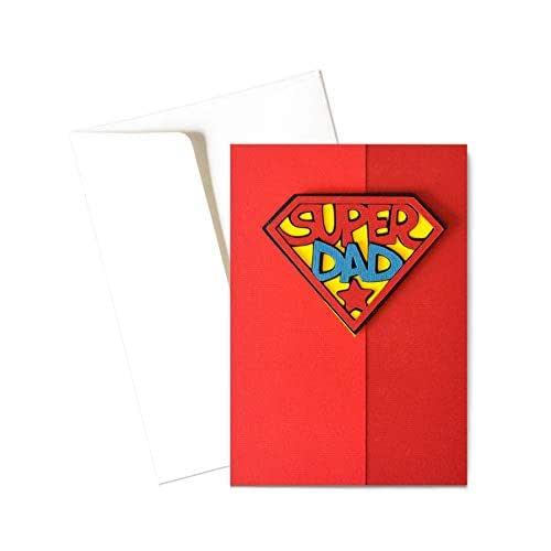 Super Dad - super poteri - festa del papà - biglietto d'auguri (formato 15 x 10,5 cm) - vuoto all'interno, ideale per il tuo messaggio personale - realizzato interamente a mano.