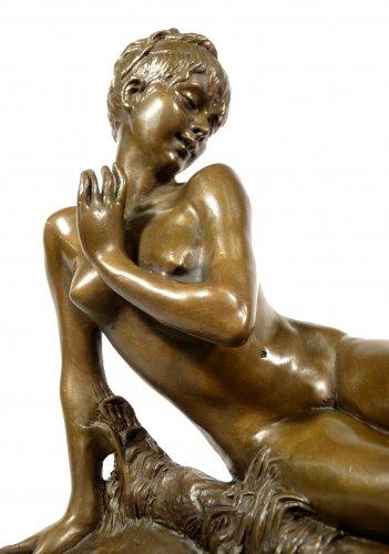 Kunst & Ambiente Jugendstil Bronzefigur - Mädchen mit Schmetterling Skulptur - signiert - Hélène Bertaux - Jugendstil Skulpturen & Statuen kaufen