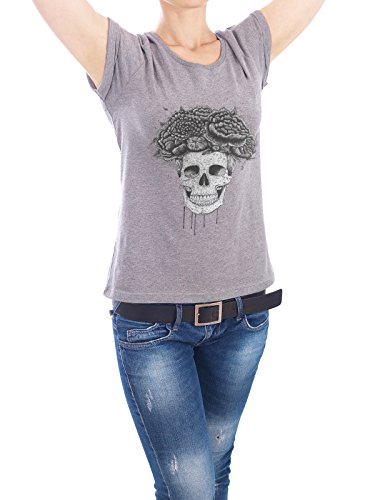 "Design T-Shirt Frauen Earth Positive ""Skull with flowers"" - stylisches Shirt Floral Natur Menschen Streetart von Valeriya Korenkova Grau"