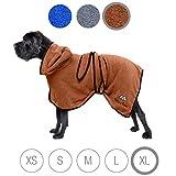 Bella & Balu Hundebademantel aus Mikrofaser + Pfotentuch - Saugfähiger Hunde Bademantel zum Trocknen nach dem Baden, Schwimmen oder Spaziergang im Regen (XL | Braun)