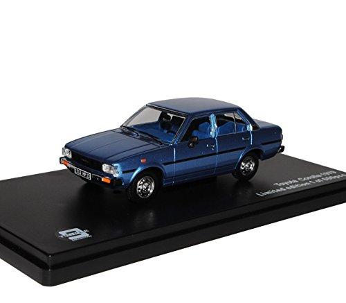toyota-corolla-e70-limousine-blau-1979-1983-1-43-j-collection-modell-auto