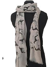 Bufanda beige con diseño de galgo negro y borde deshilachado. -- Beige with black Big greyhound scarf with frayed edge.