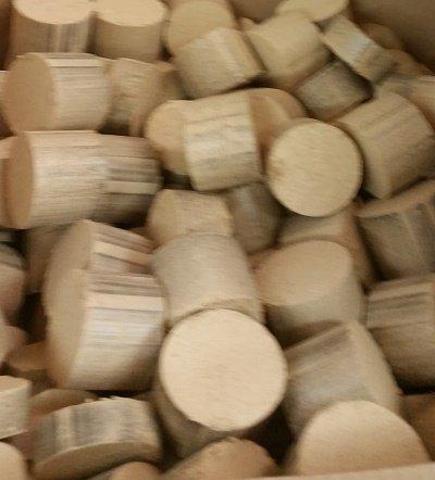 Preisvergleich Produktbild Holzbrikett 30 kg-zu30% günstigerem Frühjahrespreis !!jetzt schon an den nächsten Winter denken solange vorrätig!!