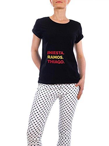 """Design T-Shirt Frauen Earth Positive """"Tres"""" - stylisches Shirt Typografie Sport Sport / Fußball von artboxONE Edition Schwarz"""