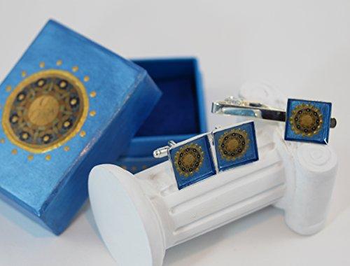 ISLA DEL SOL Herren Schmuck Set 2-910 Sonne Manschettenknöpfe Krawattennadel Clip Sonne Unikat Schmuck Islas de la Luz Designer Kollektion blau gelb gold silber Herren Geschenkidee Accessoires