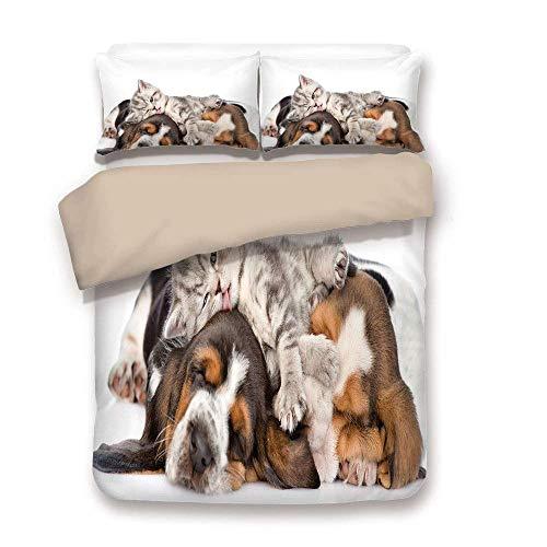 Bettbezug-Set, lustig, Neugeborene Kätzchen auf den Welpen liegen Basset Hound und Licks Sleeping Cuddle Bild, Multicolor, dekorative 3 Stück Bettwäsche Set von 2 Kissen Shams King Size
