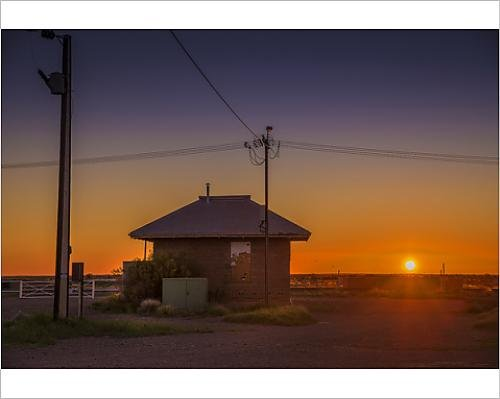 photographic-print-of-sunset-at-parachilna-outback-south-australia