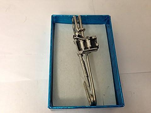 Sticker Pistolet Kilt A69écharpe ou Broche en étain emblème 7,6cm 7,5cm