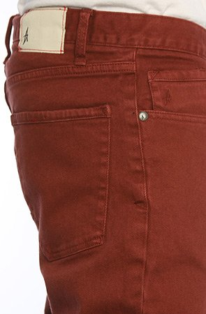Herren Jeans Hose Altamont Wilshire Overdye Jeans Rust