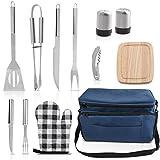 Grilljoy BBQ Grill Accessori Set di strumenti con 15 can Cooler Bag blu isolato - All-in-one Picnic Cooler Bag - 12pcs Utensili da campeggio in acciaio inox Kit per grigliate all'aperto - Prefect Gift for Men