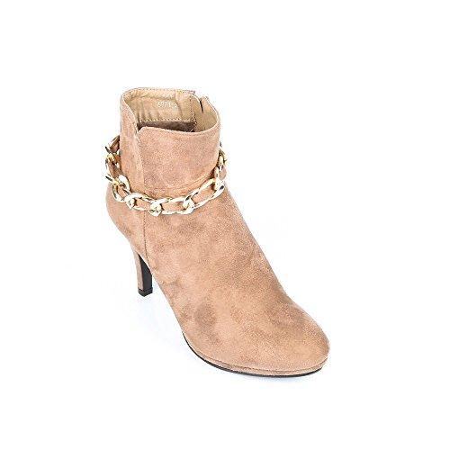 Ideal Shoes–Scarponcini al tatto morbido con cintura Nadra Beige