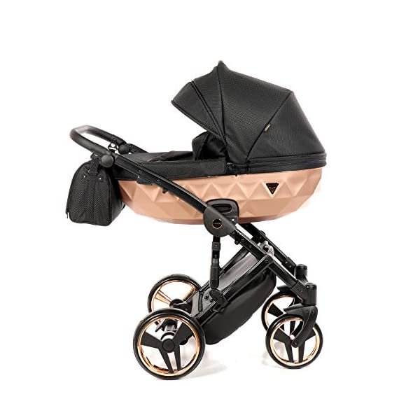 Combination Children's Pram Set JUNAMA Diamond Mirror Satin Baby Pram Buggy Pushchair + Accessories (02 Satin Schwarz - Kupfer, 3IN1) JUNAMA stable and lightweight aluminum frame construction with folding function 1-click system for easy assembly and disassembly Practical carrying handle for easy stowage of the folded frame maintenance-free gel wheels swiveling and lockable front wheels Six shock absorbers Central brake height adjustable push handle Automatic protection against folding the frame high-quality materials Push handle made of Ecco leather Upper materials are water-repellent Machining with silver ions and EcoTex technology waterproof and windproof, breathable high tear and abrasion resistance Covers are washable (100% cotton) Climate opening and window on the hood Hood is completely removable and can be used for the baby bath, as well as the sports seat folded up with wheels: 89 x 42 cm Total height of the stroller to hood top: 107 cm Lying height of the tub from the ground: 65 cm Variable height of the push handle: 77-107 cm Weight of the frame incl. Wheels: 10,2 kg External dimensions of baby carrier for newborns: 90 x 62 x 42 cm Weight of the baby bath attachment: 4.7 kg Length / width / height with hood of sport version: 92 cm x 44 cm x 62 cm Weight of sports seat: 5.5 kg 2