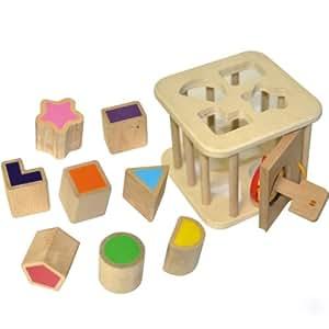 Boîte à formes en bois avec clé
