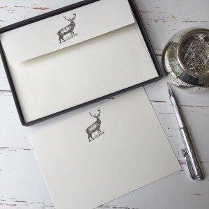 Stelzen (Gattung) Designs Karten mit Ein Reh/Hirsch Illustration in a Lovely schwarz Box mit Band (Paket von 20Karten und Umschläge)