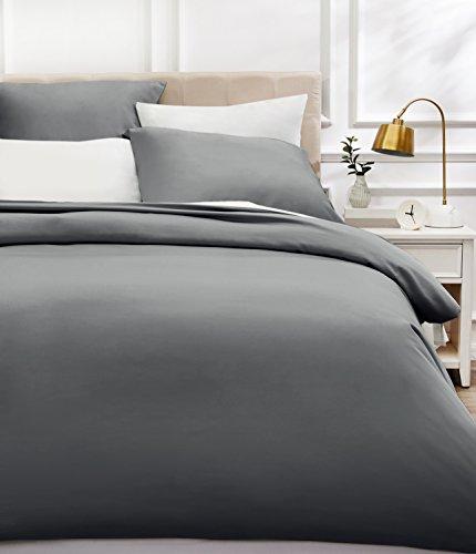 AmazonBasics - Bettwäsche-Set, Fadendichte 400, Baumwollsatin, 240 x 220 cm und zwei Kissenbezügen, 80x80cm, Dunkelgrau