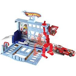 Hot Wheels City Power Lift Garage Playset
