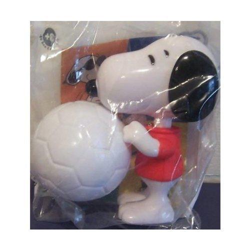 burger-king-2007-peanuts-snoopy-soccer-player-w-ball-kicks-by-burger-king