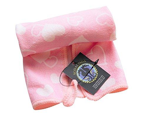 SODACODA Nettes Mikrofaser Handtuch - Weiches Baby-Tuch für das Waschen oder das Abwischen oder nettes Tuch für Gesichts-Reinigung - schnell trocken und leicht - Lover Print in Pink - 25x25cm