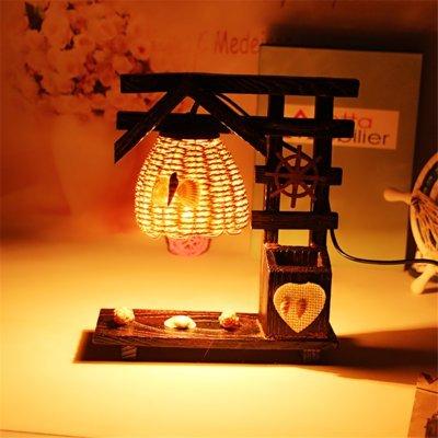 Stimmung Lampe Beleuchtung Dekorative Lampe pastoralen Stil Retro Holz Schlafzimmer Nachttischlampe Kiefer Dekoration aus hellem Holz Ornamente, W, 24 * 21 Cm