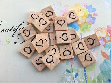 Piastrelle in legno per bricolage con lettere dell alfabeto