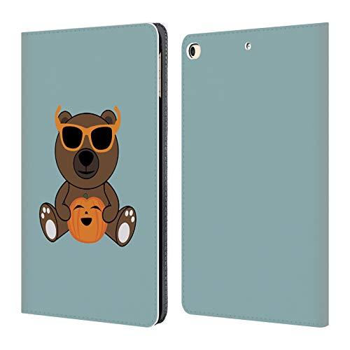 Head Case Designs Offizielle PLdesign BAER Haltender Kuerbis Halloween Brieftasche Handyhülle aus Leder für iPad 9.7 2017 / iPad 9.7 2018