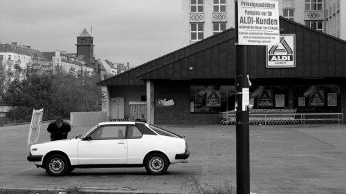berlin-papel-pintadowall-paper-on-demandpapel-pintado-fotogrfico-reportajeberlinaldi-mercado-bormiol