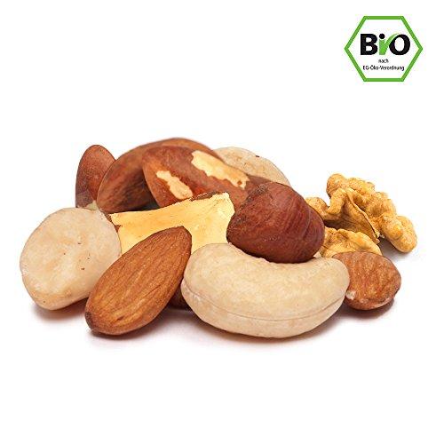 Preisvergleich Produktbild Bio Nussmischung,  Edelnussmischung 1kg mit hochwertigen Nüssen in Rohkost-Qualität mit viel Protein ohne Erdnüsse,  ohne Salz und Zucker,  naturbelassen,  unbehandelt,  nicht geröstet