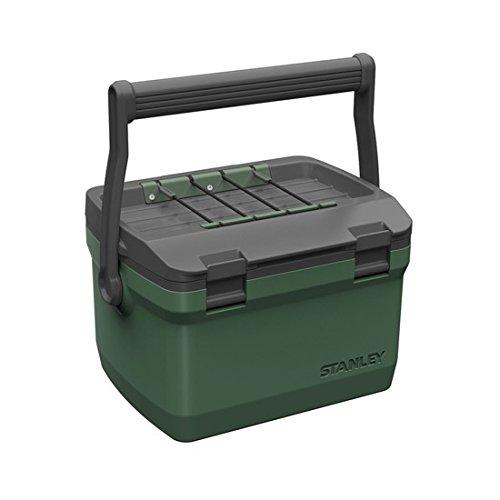 Stanley Adventure Tragbare Outdoor-Kühlbox, 6.6 Liter, Grün, Doppelwandige Schaumisolierung, Kühltasche, hält 27 Stunden kalt