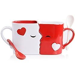 Juego de Tazas de Besos | Exquisitamente Confeccionadas Dos Tazas Grandes, 1 Roja, 1 Blanca, Con Cucharas a Juego | Hermosamente Empaquetadas para Regalo de San Valentín, Aniversarios o Cualquier Ocasión