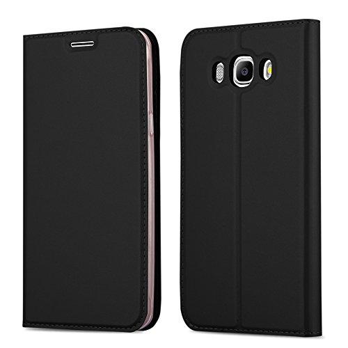 Cadorabo Hülle für Samsung Galaxy J7 2016 (6) - Hülle in SCHWARZ – Handyhülle mit Standfunktion und Kartenfach im Metallic Look - Case Cover Schutzhülle Etui Tasche Book Klapp Style
