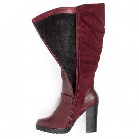 Ideal Shoes - Bottes bimatière à talons et strass Imane Rouge