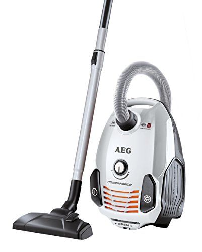 AEG PowerForce APF6160 Staubsauger mit Beutel EEK A (700 Watt, inkl. Mini-Turbodüse und Spezialdüsen-Set für Tierhaare, 3,5 l Staubbeutelvolumen, Softräder, waschbarer Hygiene Filter E12) weiß