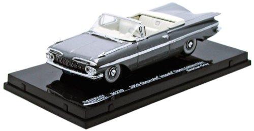 vitesse-sunstar-36229-vehicule-miniature-modele-a-lechelle-chevrolet-impala-convertible-1959-echelle