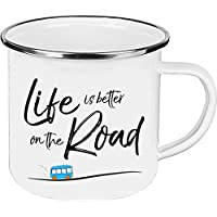 Cadouri - Camping-Tasse mit Spruch LIFE IS BETTER ON THE ROAD Kaffeetasse Kaffeebecher Emaille-Tasse Campingbecher - 300 ml