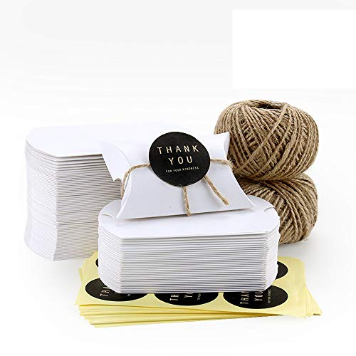 VEESUN Cajas de regalo pequeñas,120 pcs Cajas de Almohadas Marrones Favor de la boda Caja de Dulces de papel Kraft Bolsas de Regalo con Cuerda de Yute, para Cumpleaños Fiesta de Navidad, 6x9cm Blanco