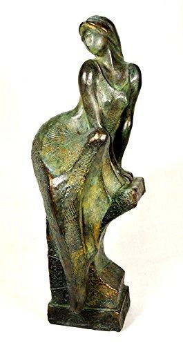 Skulptur Statue Figur, Kaltguss-Bronze, gesetzte, Frau auf Sockel.