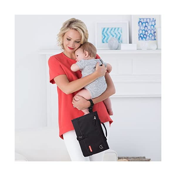 Skip Hop Pronto Signature Changing Set, Black Skip Hop Changing pad: extra-wide for wiggly babies. wipes clean. Two-in-one: pad zips off for independent use Translucent wipes case: see-through for timely reloads 4