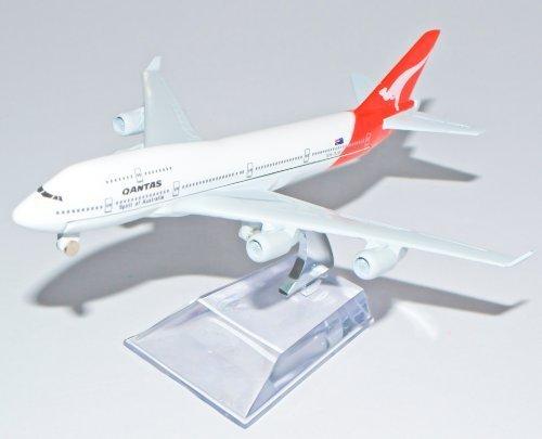 boeing-747-qantas-metal-plane-model-16cm