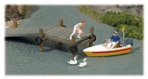 Busch 7718  - Escena de rescate con bote en el agua Importado de Alemania