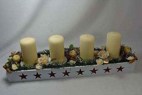 Hand aus dekorierte Kerzenleuchter (mit weiße Kerzen)