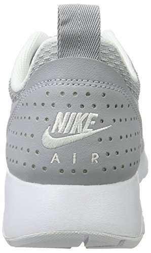 Nike Air Max Tavas, Scarpe da Ginnastica Basse Uomo Grigio (Wolf Grey/wolf Grey/white)