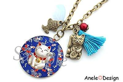 Collier Chat porte bonheur japonais, poisson rouge, chat maneki neko, perles, pompon bleu, cadeau femme, bijou cabochon