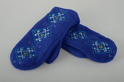 Manoplas de invierno azules con bordado