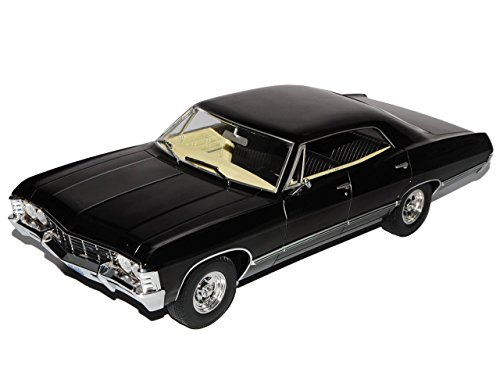 chevrolet-impala-sport-sedan-1967-limousine-schwarz-supernatural-1965-1970-1-18-greenlight-modell-au