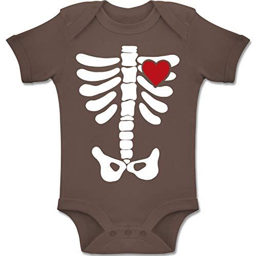Shirtracer Anlässe Baby - Skelett Herz Halloween Kostüm - 3-6 Monate - Braun - BZ10 - Baby Body Kurzarm Jungen Mädchen