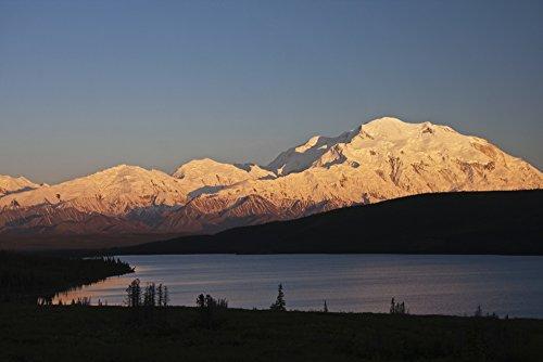 The Poster Corp Alissa Crandall/Design Pics - Sunset Scenic Over Wonder Lake and Mt. McKinley Denali National Park Interior Alaska Photo Print (48,26 x 30,48 cm) -